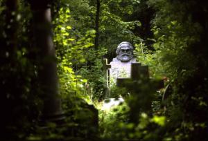 karl-marx-grave-highgate